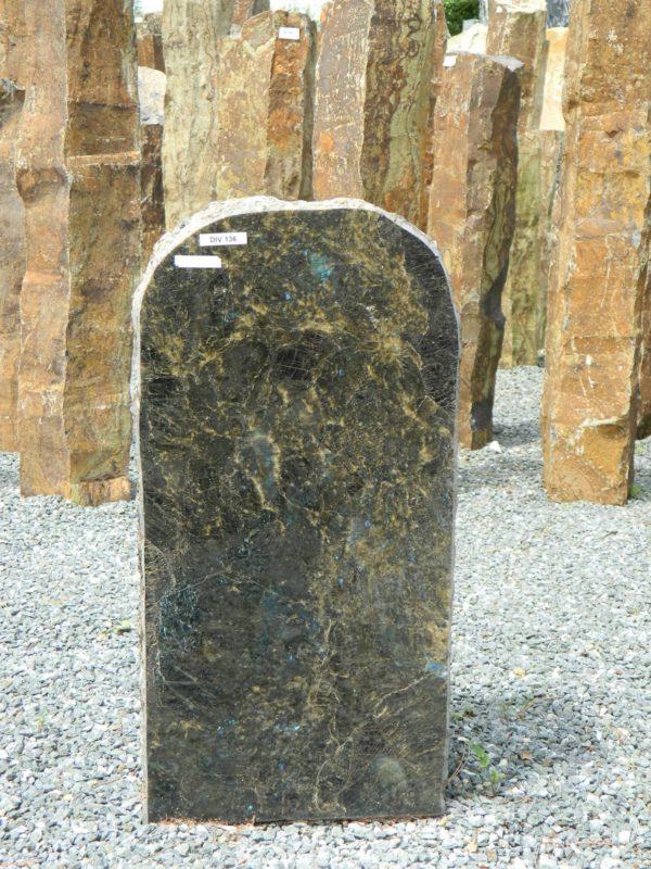 DIV 136 Felsen Opal Poliert Bossiert 34x16x68cm
