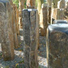 B 794 Basaltsäule 24x19x103cm