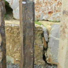 B 943 Basaltsäule 25x20x130cm