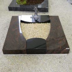 90073 Urnengrab Form UR 137 15 Kastania Indish Black